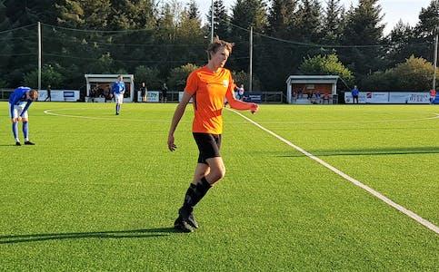 Petter Tonning i aksjon mot Trott. Han sette inn 2 - 0 i det 75. minuttet.