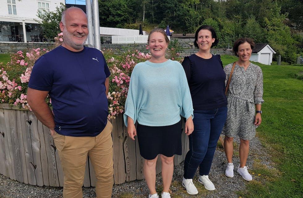 Styret i Austevoll kystklang ynskjer alle songstruper velkomne i blandakoret. Frå venstre: Åsmund Aasebø, Marte Kalve Klepsvik, Doris Bakke og Angelika Sallan.