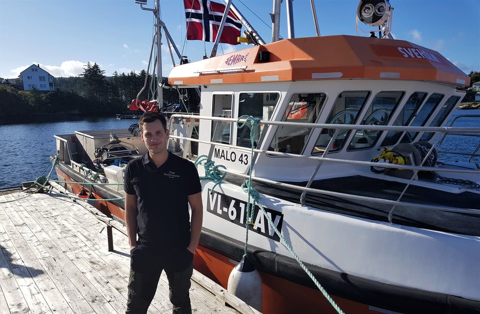 Henrik Jørgensen i Nordrevågen på Selbjørn med sjarken «Sveholm».