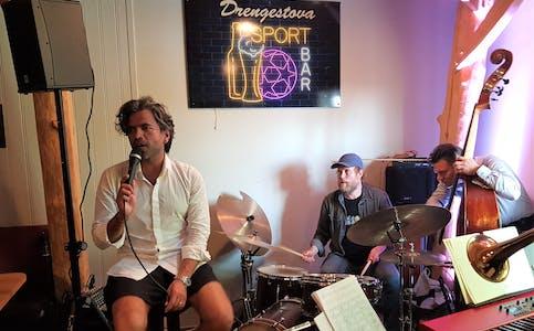 Det var mykje musikalsk glede i Drengstova då Fredrik Saorea Quintet spelte jazz inspirert av materialet etter Chet Baker.